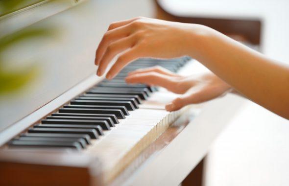 ピアノは子供にも大人にも効果的